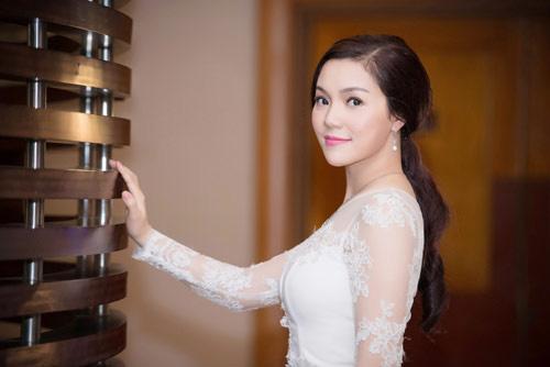 Ca sĩ Ngọc Anh chi 18 triệu đồng/tháng cho con học tiểu học-1