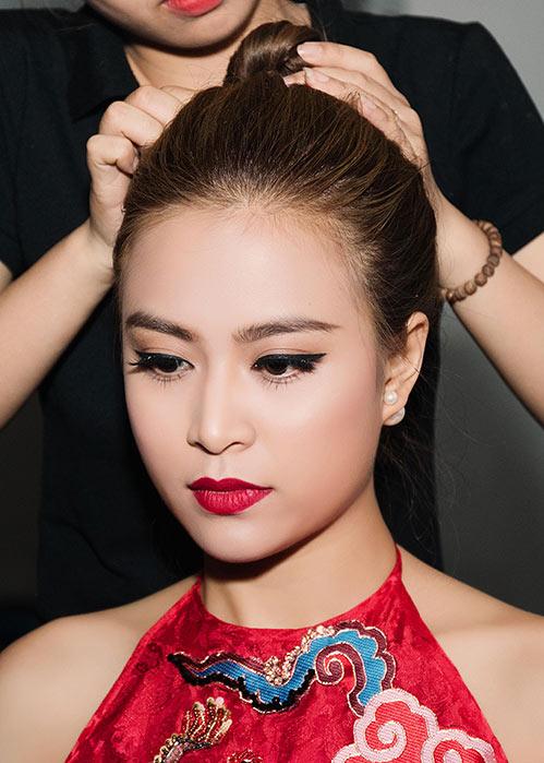 Hoàng Thùy Linh - Vĩnh Thụy quấn quýt không rời trong sự kiện-5