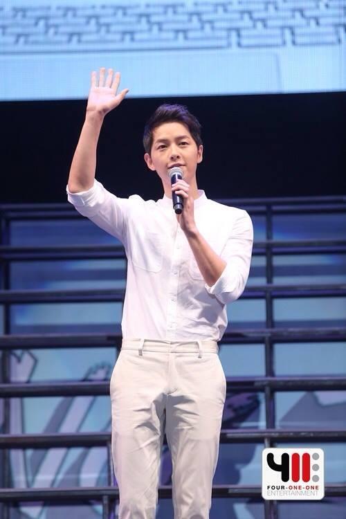 Song Joong Ki sẵn sàng hẹn hò bạn gái lớn tuổi-1