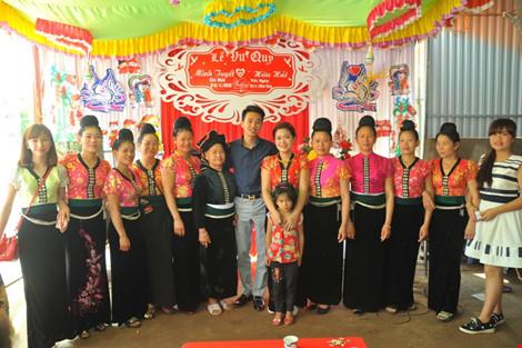 chuyen tinh xe - om: nang cam cua, cua do chang phuot thu lanh lung - 14