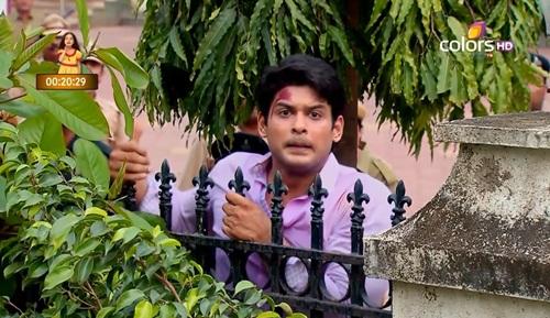 """""""co dau 8 tuoi"""": gauri duoi vo moi cua jagdish ra khoi nha - 9"""