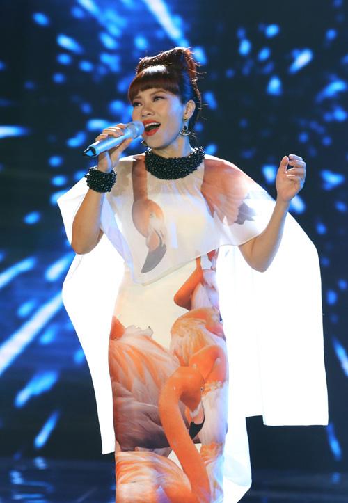 Đọ váy áo của 3 ca sĩ sinh năm 1977 đình đám Vbiz-3