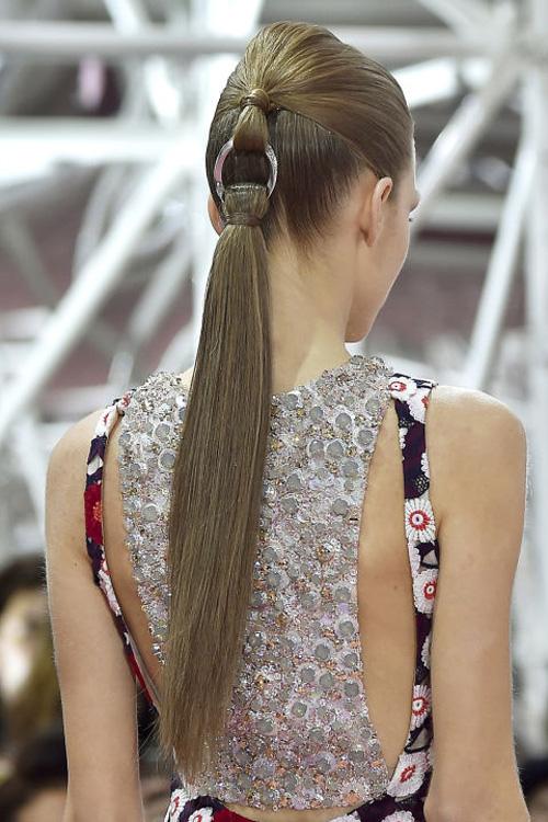 Những kiểu tóc tuyệt đẹp cho cô dâu mùa hè-11