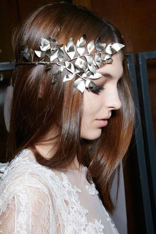 Những kiểu tóc tuyệt đẹp cho cô dâu mùa hè-3