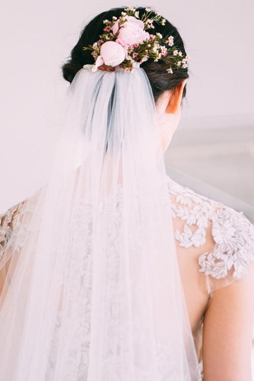 Những kiểu tóc tuyệt đẹp cho cô dâu mùa hè-4