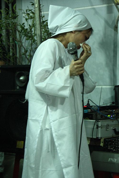 thanh thao, quang dung nghen ngao den vieng bo hong ngoc - 17