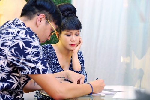 viet huong long lay thu trang phuc cho gala vn's got talent - 1