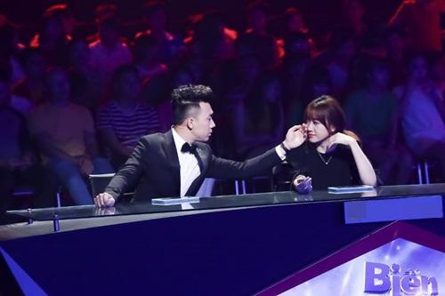"""Giám khảo ngỡ ngàng với """"em trai sinh đôi"""" của Mr Đàm-2"""