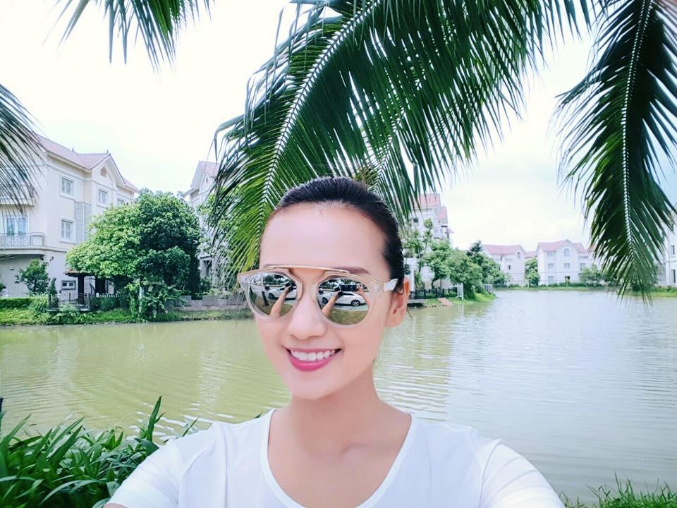 Lã Thanh Huyền hào hứng khoe biệt thự sang có vườn, cạnh sông-2