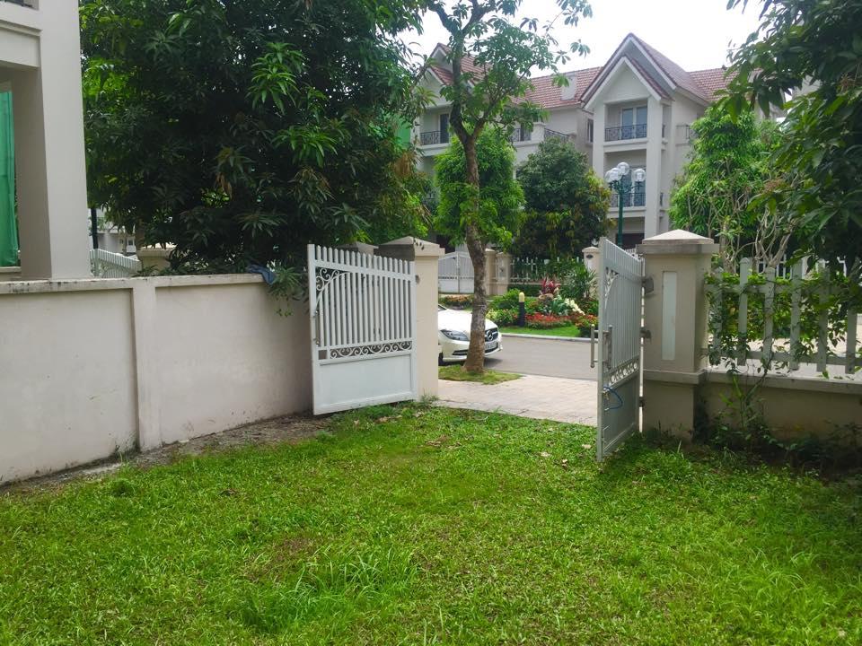 Lã Thanh Huyền hào hứng khoe biệt thự sang có vườn, cạnh sông-5