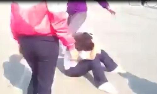 Xôn xao clip nữ sinh cấp 2 bị đánh hội đồng ở Đồng Nai-1
