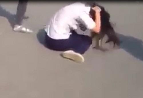 Xôn xao clip nữ sinh cấp 2 bị đánh hội đồng ở Đồng Nai-2
