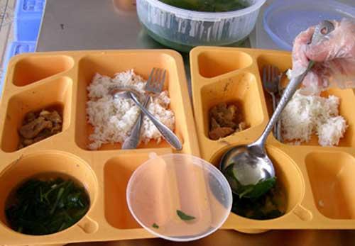 Bữa cơm của trẻ tiểu học Việt Nam và Nhật: đối lập đến chạnh lòng!-5