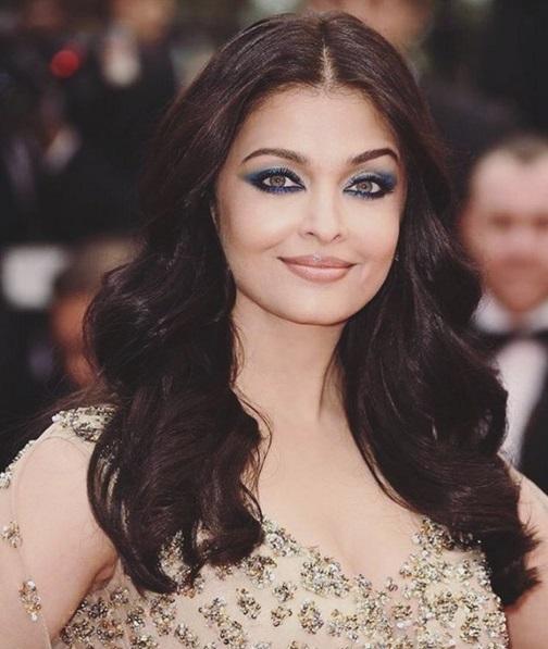 Hoa hậu đẹp nhất thế giới hóa nữ thần trên thảm đỏ Cannes-2