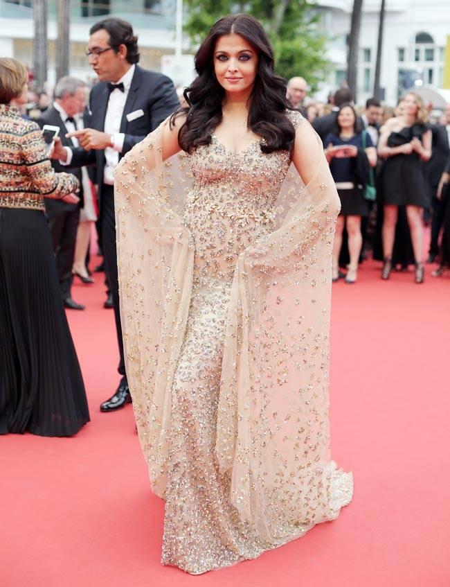 Hoa hậu đẹp nhất thế giới hóa nữ thần trên thảm đỏ Cannes-1