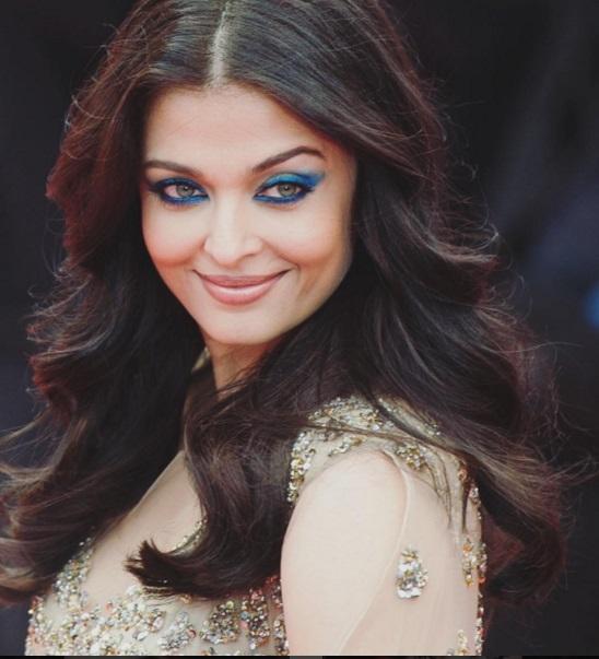 Hoa hậu đẹp nhất thế giới hóa nữ thần trên thảm đỏ Cannes-4