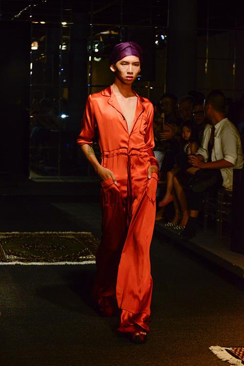 Người mẫu đồng tính mở màn BST Xuân Hè của NTK Li Lam-1