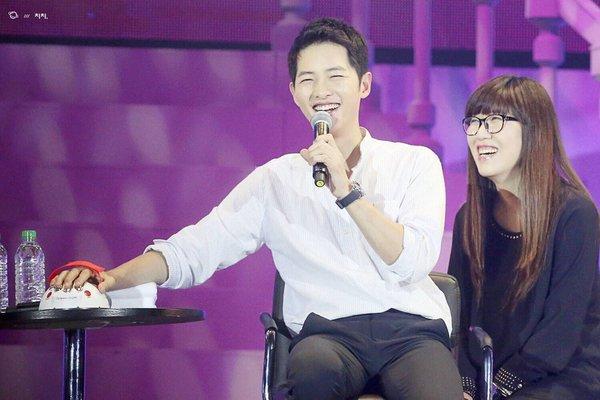 song joong ki chon ban than thay vi song hye kyo - 1