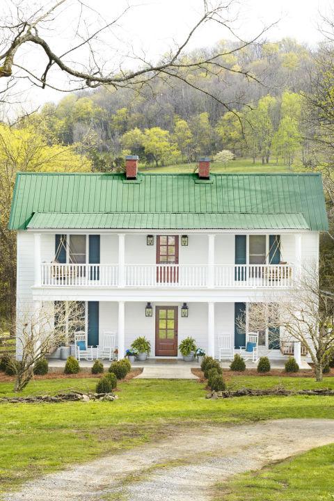 Ngắm ngôi nhà gỗ đẹp như tranh vẽ trên sườn đồi-2