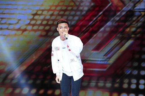 """""""Hoàng tử buồn"""" của X-Factor khóc nức nở, Tùng Dương chạy lên an ủi-14"""