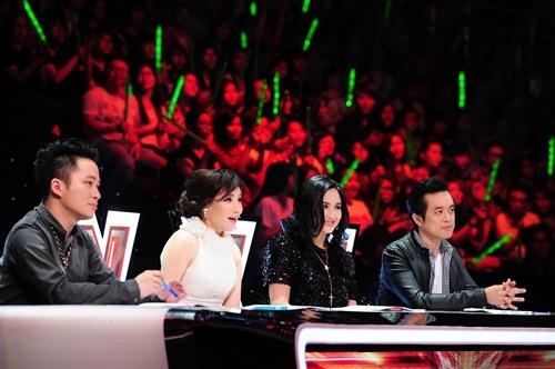 """""""Hoàng tử buồn"""" của X-Factor khóc nức nở, Tùng Dương chạy lên an ủi-1"""