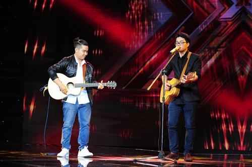 """""""Hoàng tử buồn"""" của X-Factor khóc nức nở, Tùng Dương chạy lên an ủi-12"""