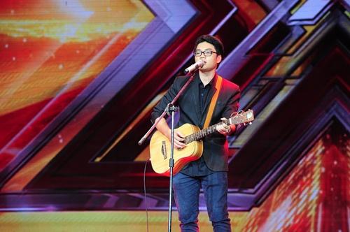 """""""Hoàng tử buồn"""" của X-Factor khóc nức nở, Tùng Dương chạy lên an ủi-13"""