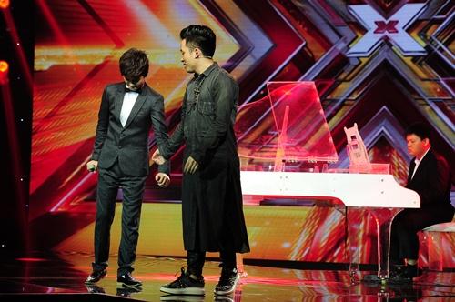 """""""Hoàng tử buồn"""" của X-Factor khóc nức nở, Tùng Dương chạy lên an ủi-6"""