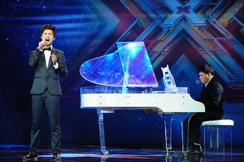 """""""Hoàng tử buồn"""" của X-Factor khóc nức nở, Tùng Dương chạy lên an ủi-3"""