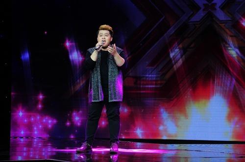 """""""Hoàng tử buồn"""" của X-Factor khóc nức nở, Tùng Dương chạy lên an ủi-8"""