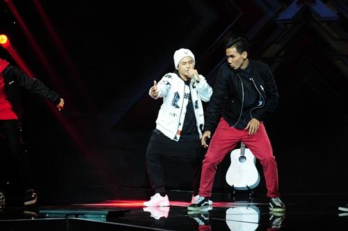 """""""Hoàng tử buồn"""" của X-Factor khóc nức nở, Tùng Dương chạy lên an ủi-10"""