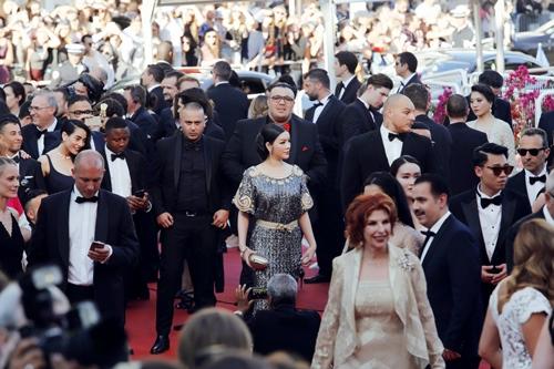 Lý Nhã Kỳ được bảo vệ cẩn mật tại Cannes-10
