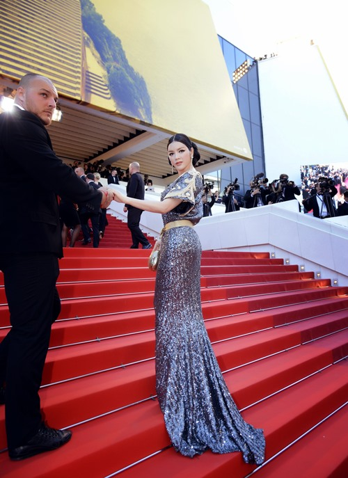 Lý Nhã Kỳ được bảo vệ cẩn mật tại Cannes-9