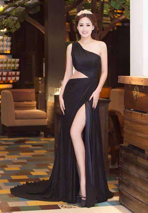 Muôn kiểu váy xẻ cao gây nhức mắt của mỹ nhân Việt-16