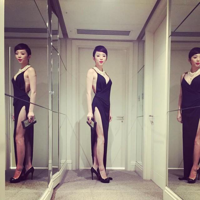 Muôn kiểu váy xẻ cao gây nhức mắt của mỹ nhân Việt-10