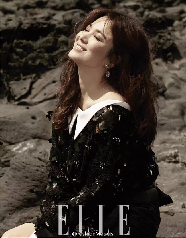 Bất ngờ với ảnh nổi loạn của Song Hye Kyo
