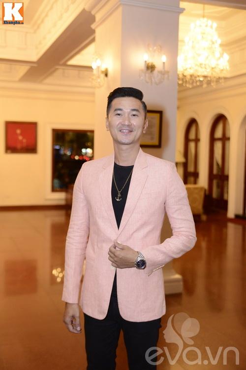 Ngọc Lan và người yêu nắm tay đi đám cưới Quang Tuấn - Linh Phi-13