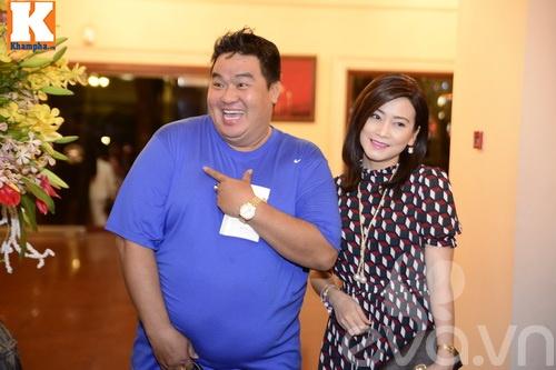 Ngọc Lan và người yêu nắm tay đi đám cưới Quang Tuấn - Linh Phi-11