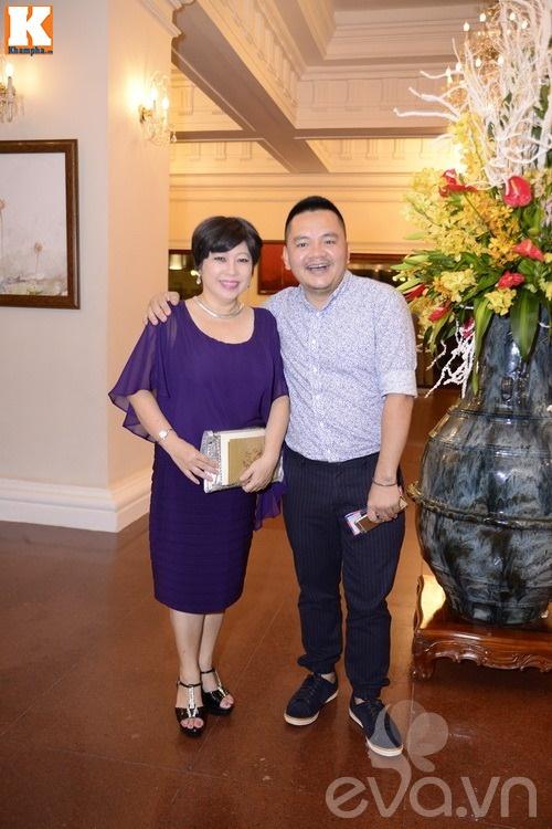 Ngọc Lan và người yêu nắm tay đi đám cưới Quang Tuấn - Linh Phi-19