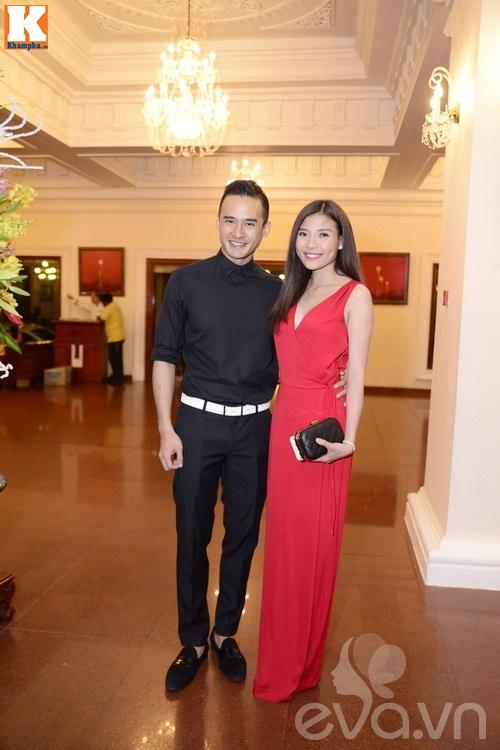 Ngọc Lan và người yêu nắm tay đi đám cưới Quang Tuấn - Linh Phi-4