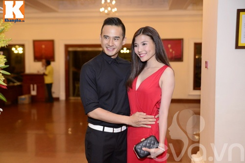 Ngọc Lan và người yêu nắm tay đi đám cưới Quang Tuấn - Linh Phi-5