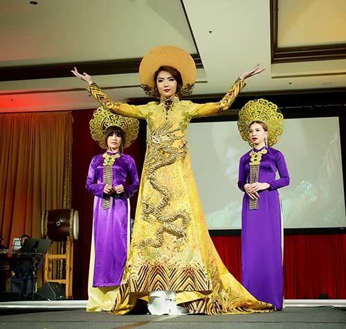 hh jennifer chung long lay voi ao dai rong phuong - 5