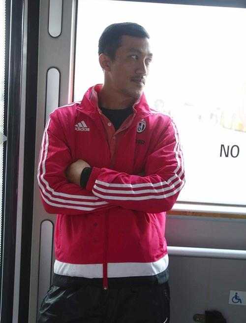 huong giang idol khoc, pong chuan nga xe o con dao - 4