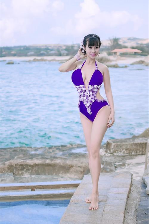"le kieu nhu mac bikini ""an dut"" ngoc trinh, midu - 5"