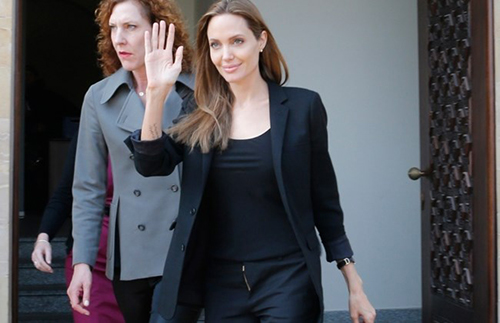 Fan xót xa khi Angelina Jolie ngày càng gầy gò tiều tụy-11