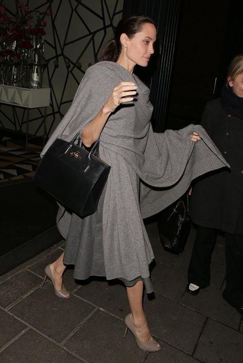 Fan xót xa khi Angelina Jolie ngày càng gầy gò tiều tụy-7