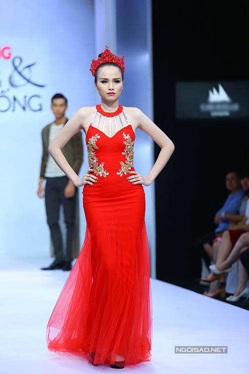 Hoa hậu Diễm Hương tự tin làm mẫu dù chỉ cao 1m71-8