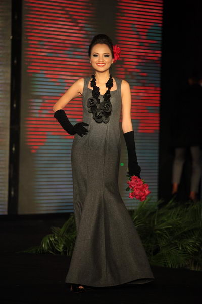 Hoa hậu Diễm Hương tự tin làm mẫu dù chỉ cao 1m71-17
