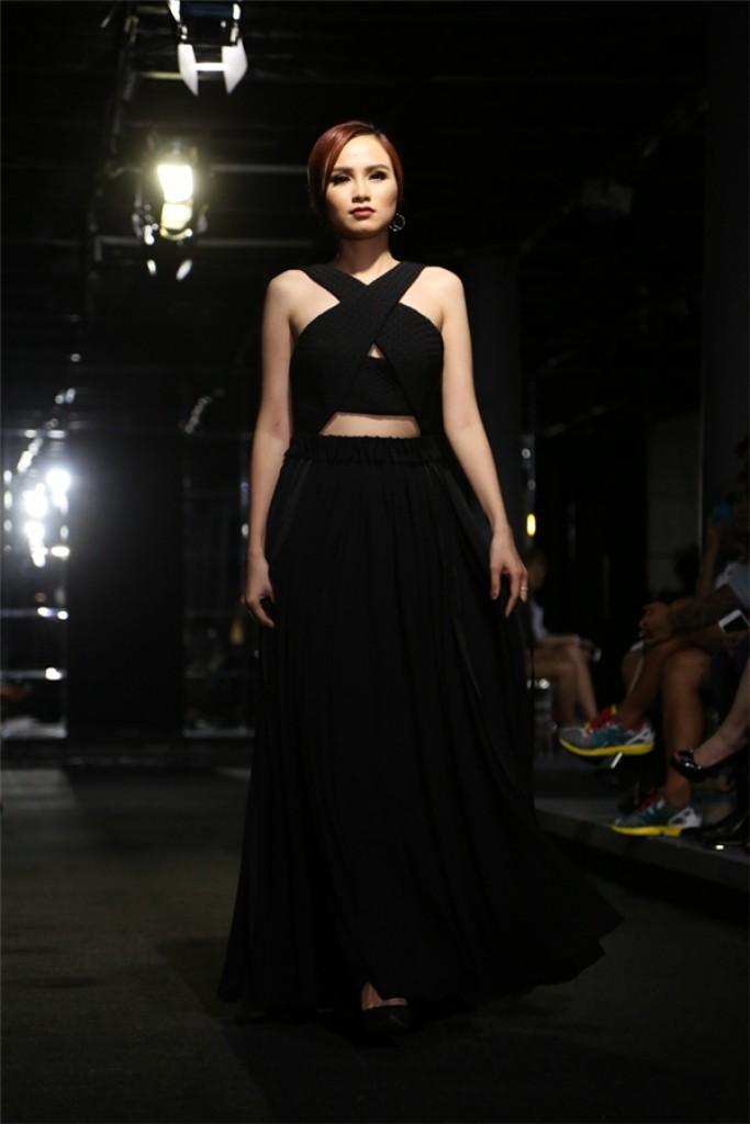 Hoa hậu Diễm Hương tự tin làm mẫu dù chỉ cao 1m71-2