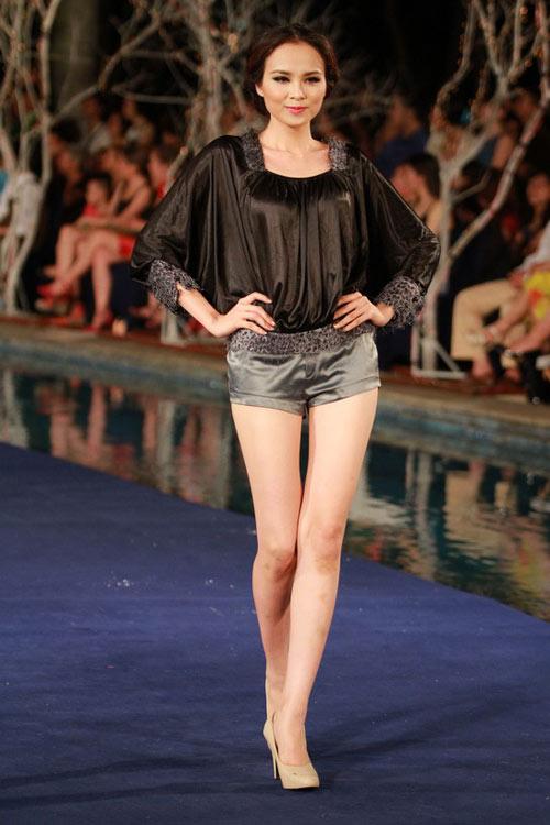 Hoa hậu Diễm Hương tự tin làm mẫu dù chỉ cao 1m71-16